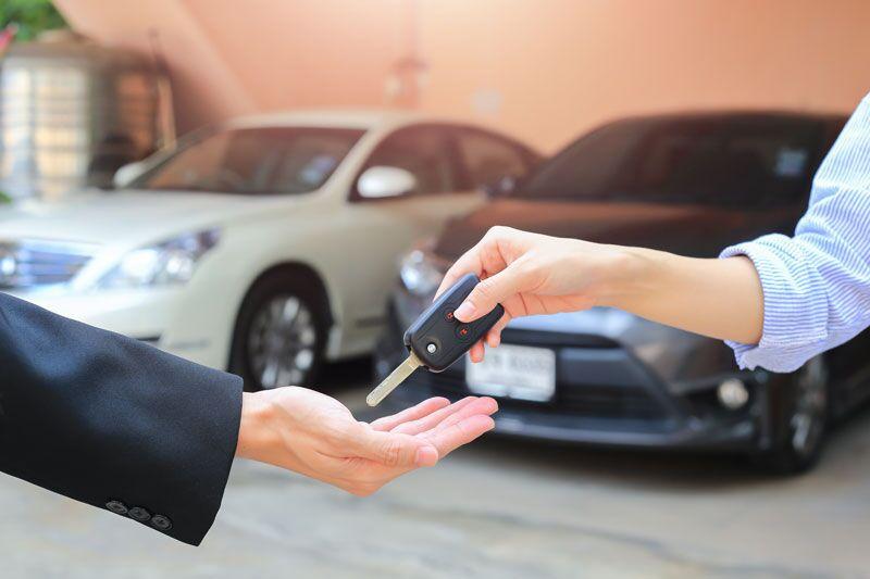 exchanging car key