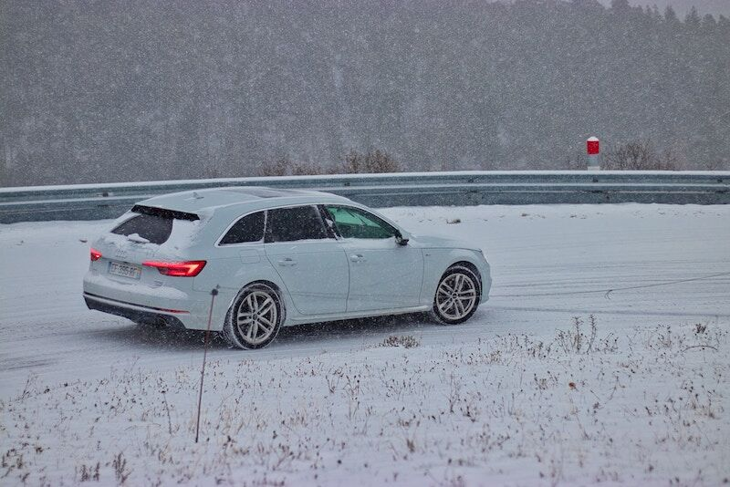 car driving in the snow